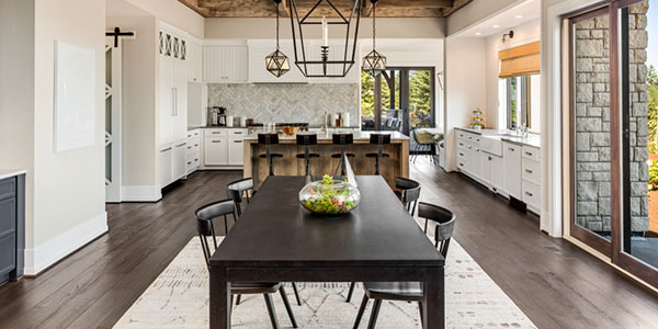 Stunning dining room and kitchen