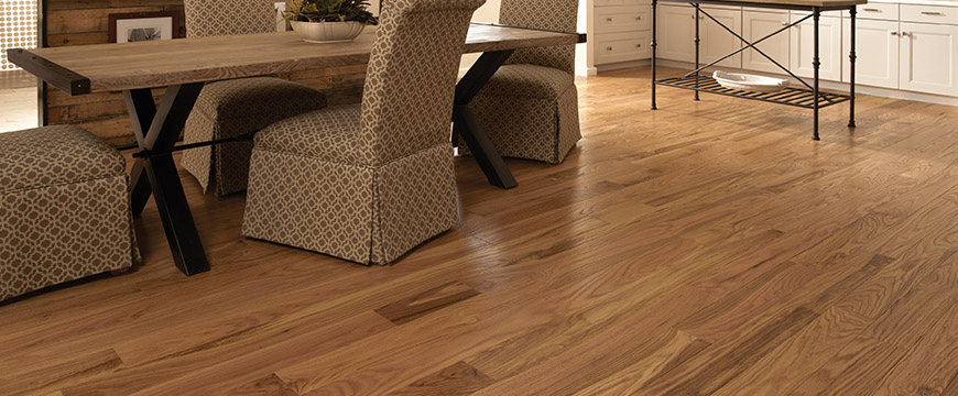 Somerset Hardwood Classic Collection in Natural Red Oak shade